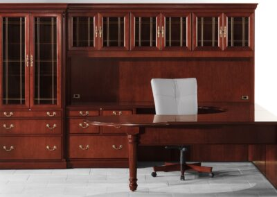 Private Offices: Traditional & Transitional Desks